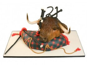 HIGHLAND COW & BAGPIPES